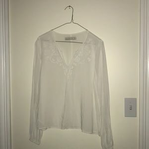 WHITE ABERCROMBIE AND FITCH BLOUSE